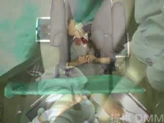 【実録!制服姿の女子高校生が悪徳産婦人科ドクターに強姦されるドキュメンタリー風ムービー】